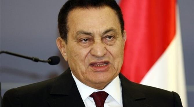 Mubarak is accused of corruption and of ordering the killing of anti-regime protesters.  By Mustafa Ozer (AFP/File)