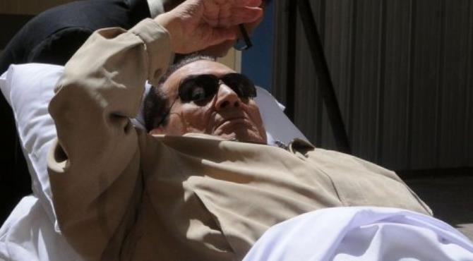Hosni Mubarak the only dictator toppled in the Arab Spring to be tried in person.  By  (AFP)