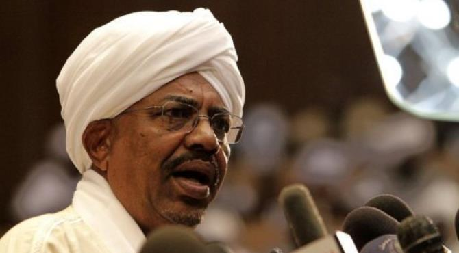Reformers in Sudan question how much longer President Omar al-Bashir should remain in power.  By Ashraf Shazly (AFP/File)