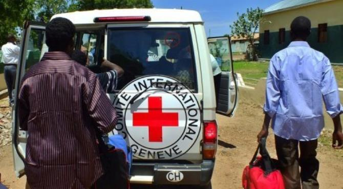 Sudanese prisoners of war board International Committee of the Red Cross (ICRC) vehicles in Juba after their release.  By Waakhe Wudu (AFP)