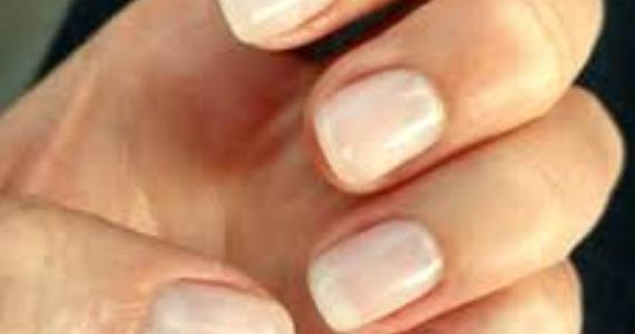 No Artificial Nails! Grow Your Natural Nails With This Simple Step