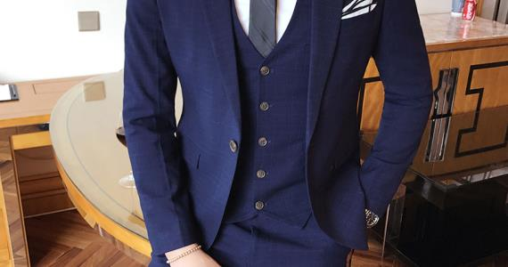 Trendy Suits For Men About To Make A Bold Move