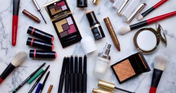 These are 5 Makeup mistakes that can make you (women) Look older