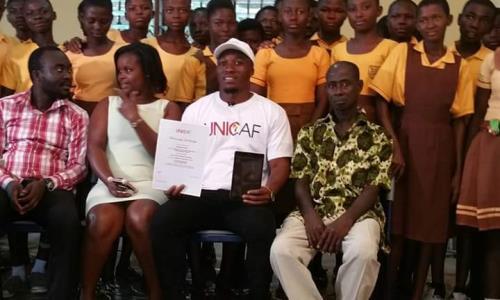 Ghanaian Teacher Who Drew Microsoft Word On Board Wins 10 000