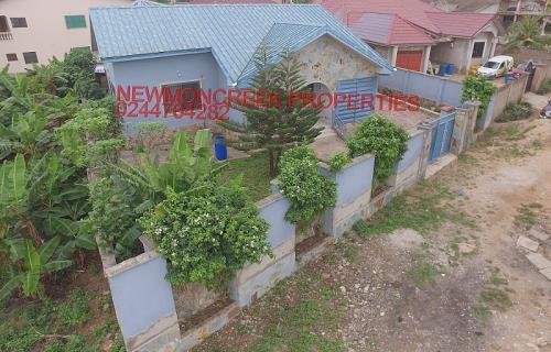 4 bedroom for sale@Kwabenya