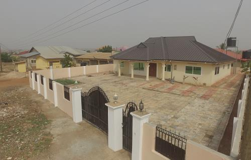 4 bedroom house for sale,Ashale Botwe