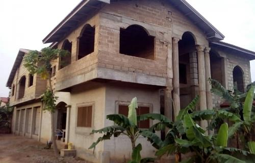 8Bedrooms for sale at Achimota Tantra