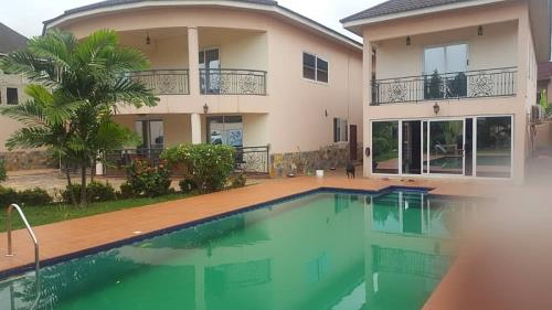 Furnished 5Bedrooms For Rent at East Airport
