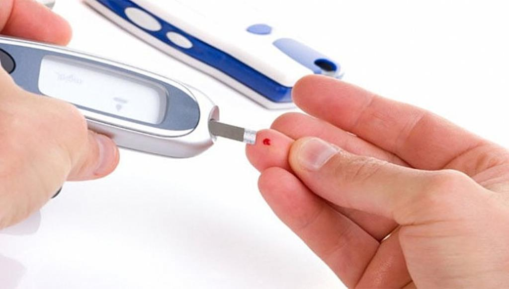 4 Easy Ways To Reduce Your Diabetes Risk Naturally