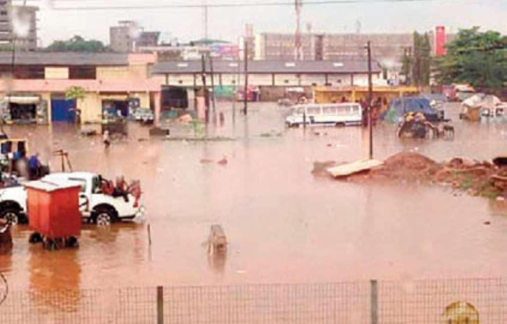 Kumasi flooded after 20minutes rain