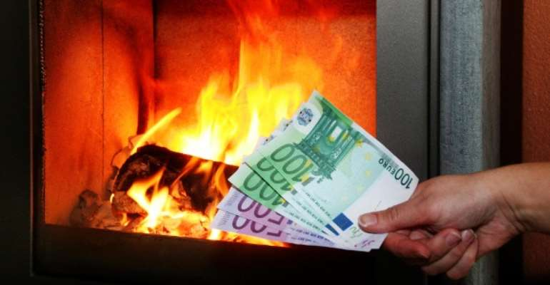 Money on fire In Arnsberg-Germany, a man accidentally burned his friend's savings.