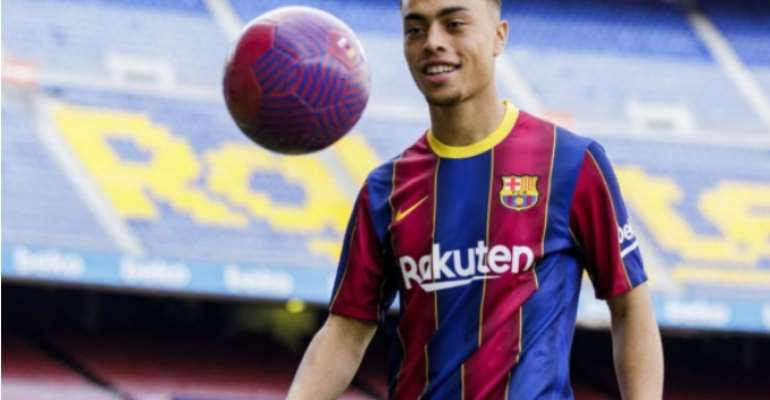 Barcelona Announce Signing Of Dest From Ajax