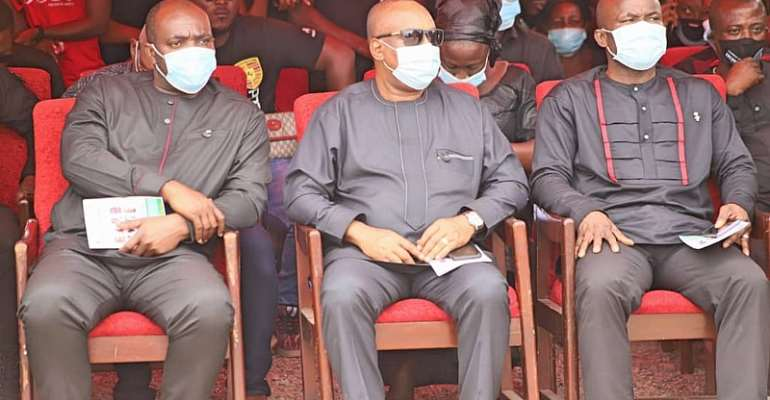 Sports Minister with other government officials