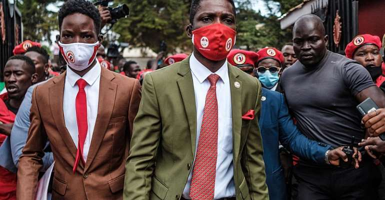 SUMY SADURNI / AFP