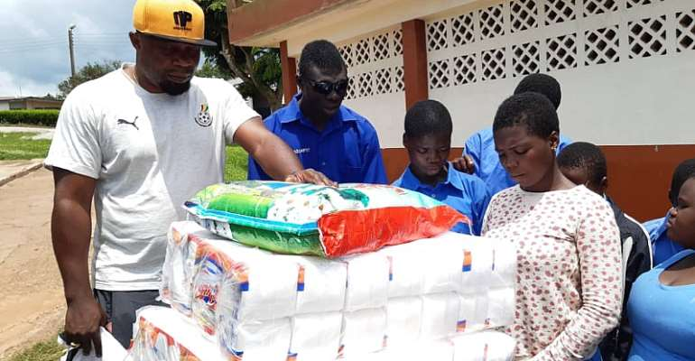Black Stars B Team Makes Donation To Akropong School for the Blind