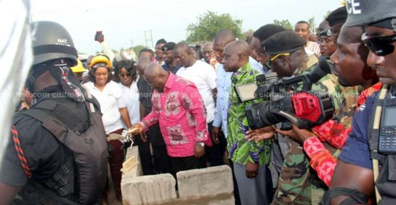 Akufo-Addo Unveils One-District, One-Warehouse Project