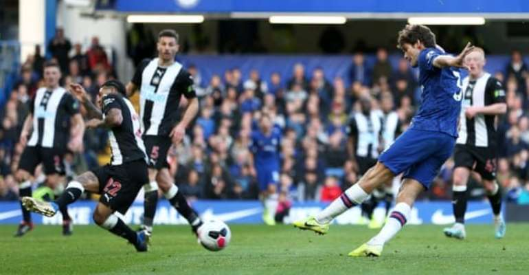 PL: Alonso goal earns Chelsea victory, Dele Alli rescues Spurs from another defeat