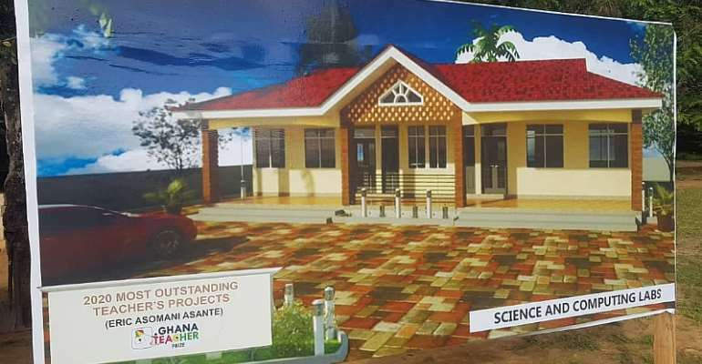 E/R: 2020 Best Teacher Donates Ghc10,000 Towards Construction Of Science And ICT Lab At Akoasi