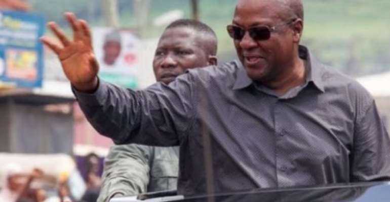 Fact-Check: False! Mahama Did Not Distribute Cash To Supporters In Berekum