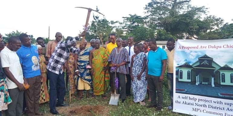 V/R: Akatsi North MP, DCE Supports Building Of Ave Dakpa Chief's Palace
