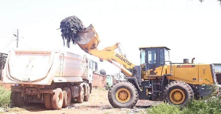 Gov't Evacuates Illegal Dumpsites In North East Region