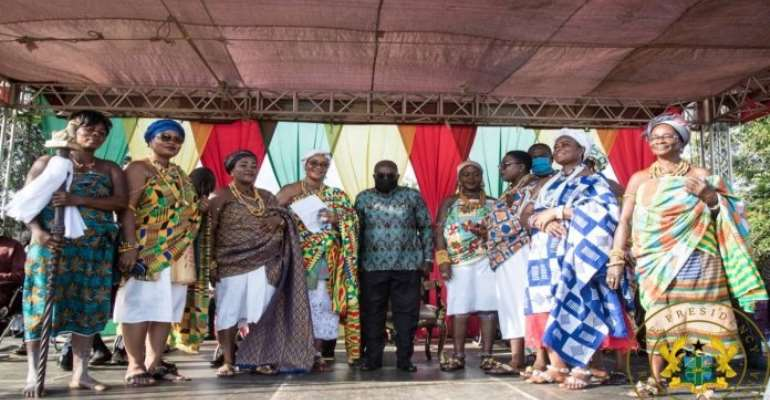 President Akufo-Addo flanked by some queenmothers in the Volta Region