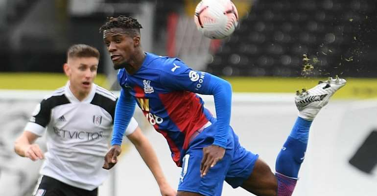 Wilfried Zaha nets as Crystal Palace beat struggling Fulham 2-1