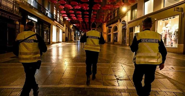 Covid-19: France and Italy clamp down as Spain considers state of emergency