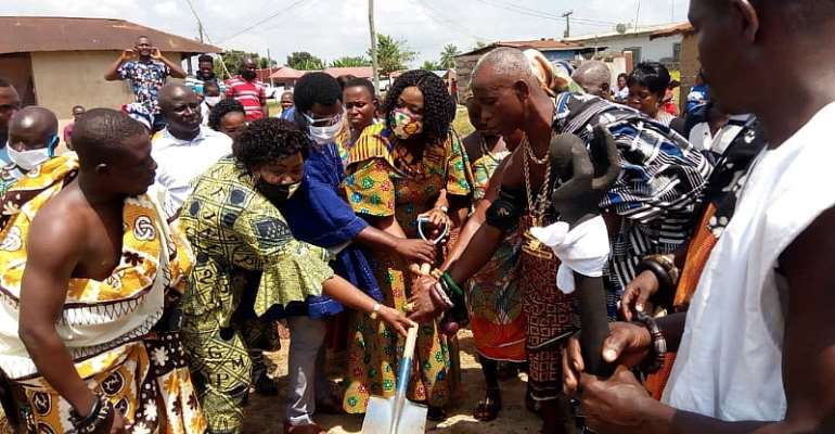 E/R: Suhum MCE, Nkosuohene Cuts Sod For Ultra-Modern ICT Centre, Library Construction