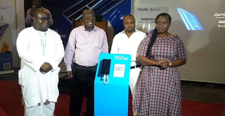 TECNO Unboxed Phantom 8 Device