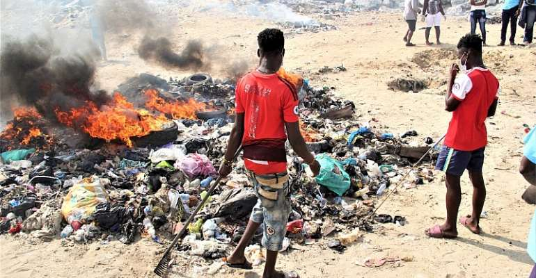 Clean Greater Accra Campaign – Youth Network cleans Glife Beach