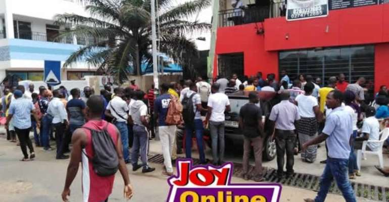 Menzgold Customer Invade Offices To Validate Claims