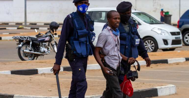 Angolan Police Detain, Harass, And Beat Journalists Covering Protests