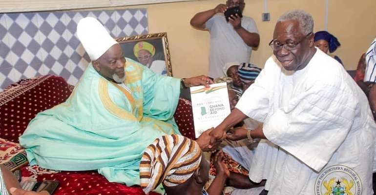 Yaw Osafo-Maafo (right) greeting the overload of Dagbon, Ya-Na Abukari Mahama II.