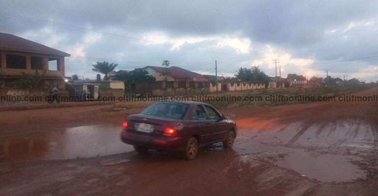 Teshie Community Uncomfortable With Poor Roads And No  Street Lights