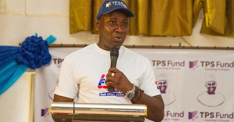 We Will Vote Dr. Anyars For Giving Us Loans To Do Business — Street Sellers