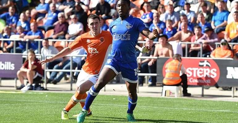 Maidstone United Sign Darius Osei From Oldham Athletic