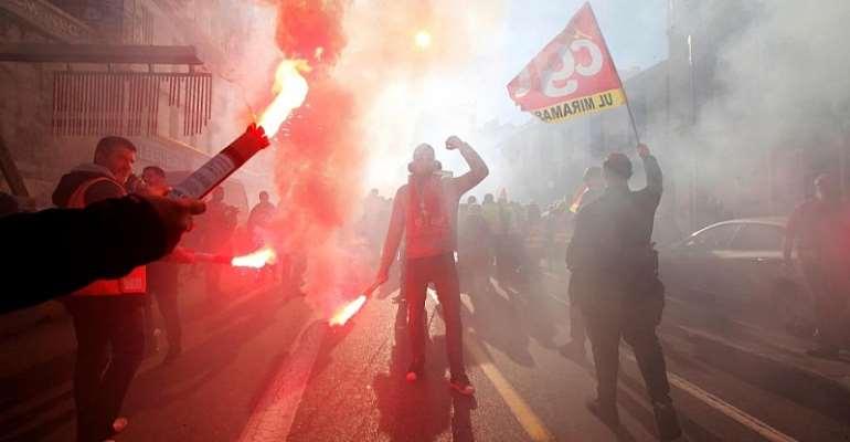 REUTERS/Jean-Paul Pelissier