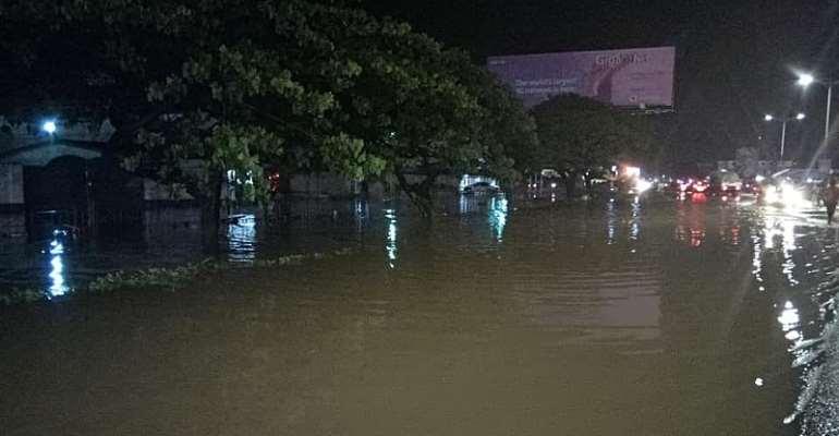 Adabraka Odawna Residents Sink In Sunday's Downpour