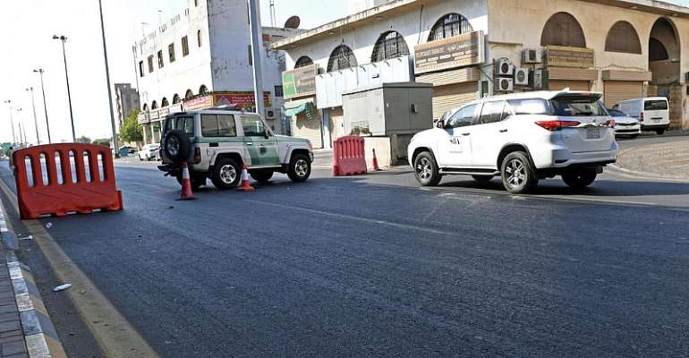 Bomb Blast Wounds Several People At Wwi Remembrance In Saudi City Of Jeddah