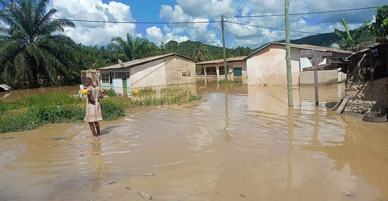 W/R: Two Communities Sink In River Ankobra