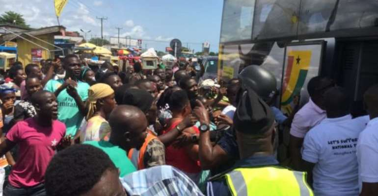 2021 AFCON Qualifiers: Black Stars Mobbed By Fans At Winneba [PHOTOS]