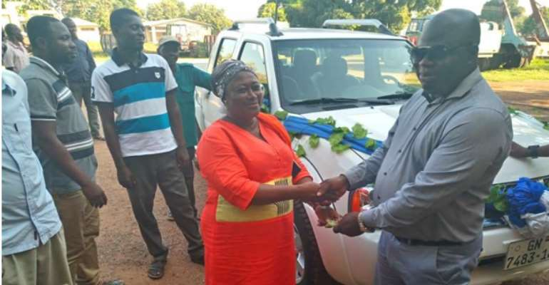 Atebubu-Amantin Municipal Assembly Receives Two Vehicles From Gov't