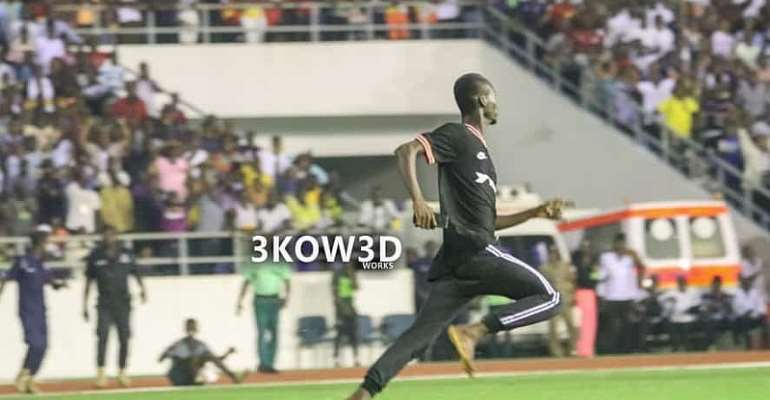 2021 AFCON Qualifiers: Why The Ghana Fan Invaded The Pitch In Cape Coast