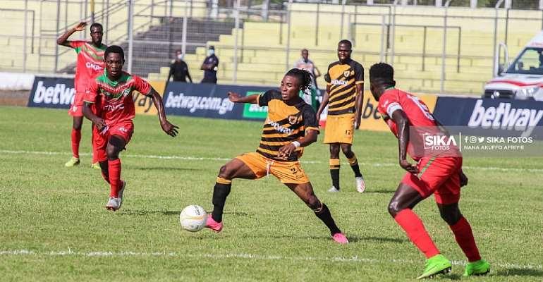 Ghana Premier League: Ashanti Gold SC Draw 2-2 Against Karela United At Len Clay