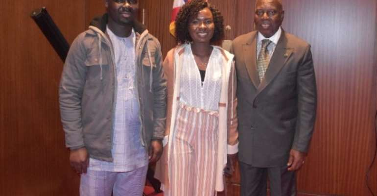 Global Leadership Fellows call on Ghana's Ambassador to U.S.
