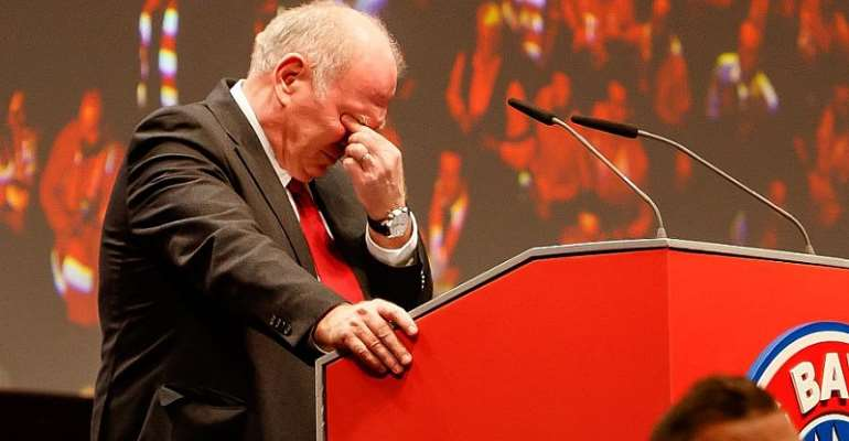 Hoeness Steps Down At Bayern