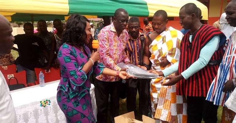 Deputy Minister Assists Community