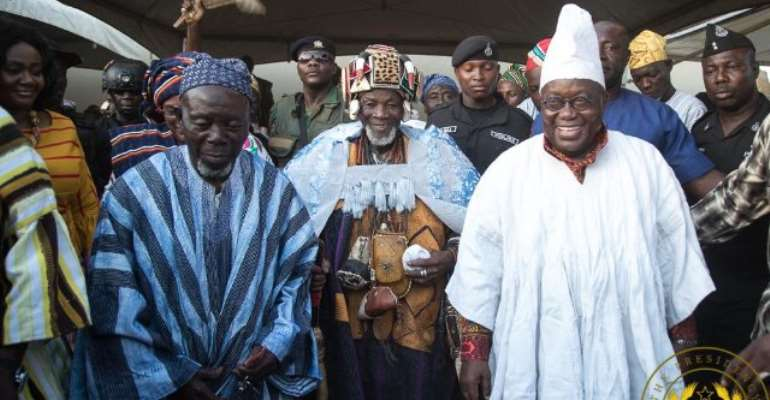President Akufo Addo (right) and Yaa-Na Abukari Mahama (middle)