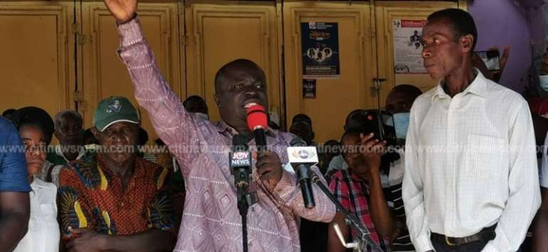 Pay Us Before November Ends Or We'll Vote You Out – Takoradi Gold Coast Customers To Akufo-Addo